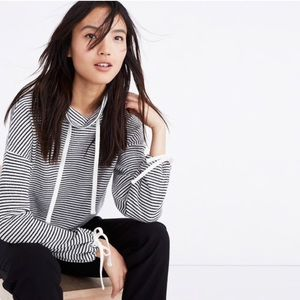 Lightweight turtle neck pull over